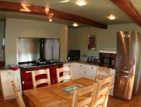 cottage-kitchen-0247ee