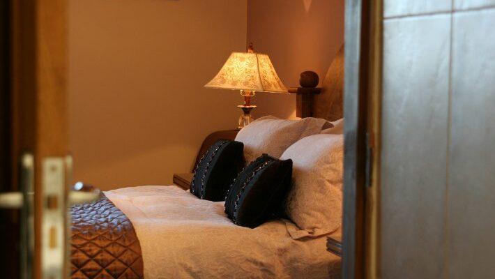 bedroom-from-en-suite